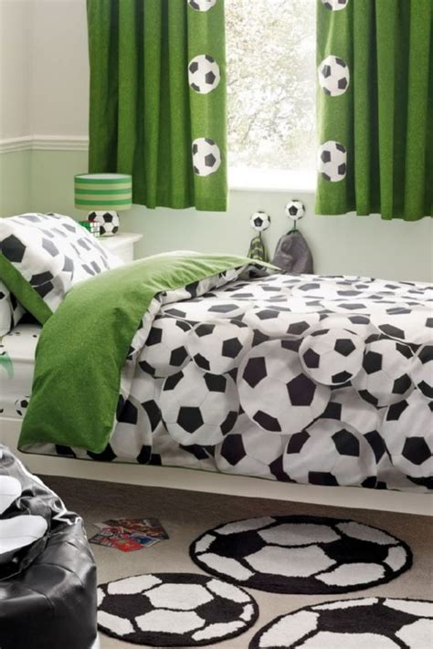 Soccer Decorations For Bedroom by Best 25 Soccer Room Ideas On Soccer Bedroom