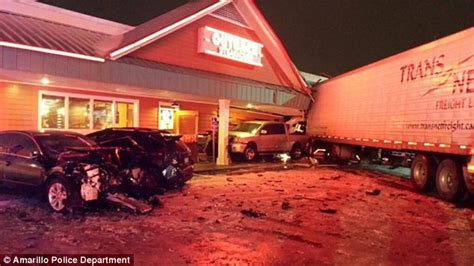 band of storms battering and the midwest leave at least 14 dead daily mail