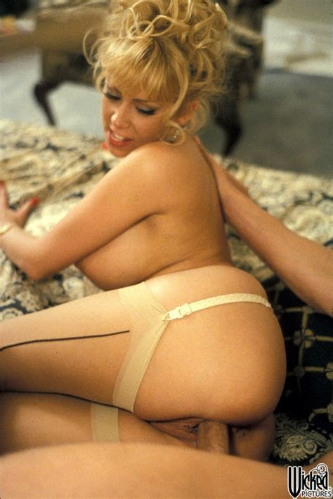 Jenna Jameson Blonde Pounded On Her Bed Pichunter