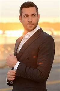 1000+ images about Zachary Levi adorable nerd on Pinterest ...