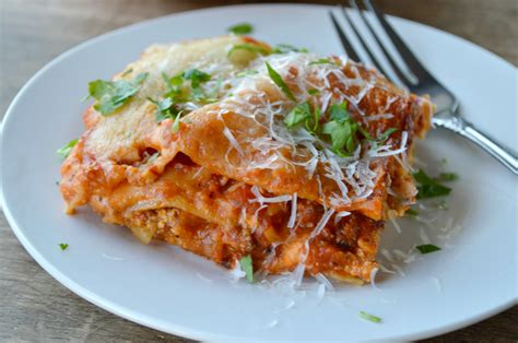 cuisine lasagne how to lasagna genius kitchen