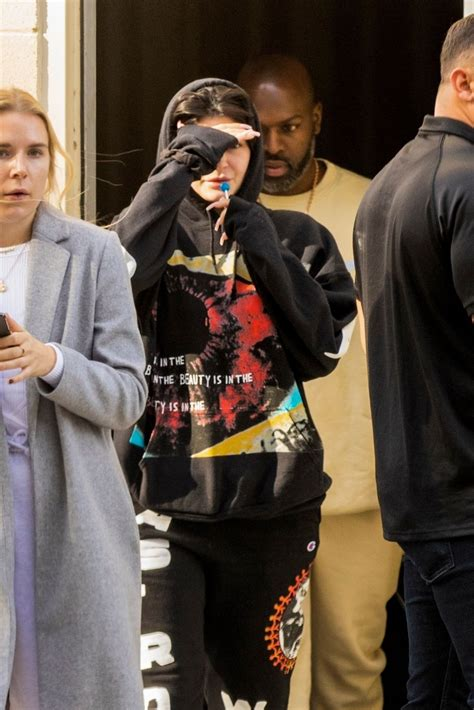 Watch kylie jenner's deleted online video of her $3 million bugatti chiron. KYLIE JENNER Drive Her Bugatti Chiron in Calabasas 12/17/2019 - HawtCelebs