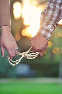 20 Amazing Pose Ideas For Engagement Photos