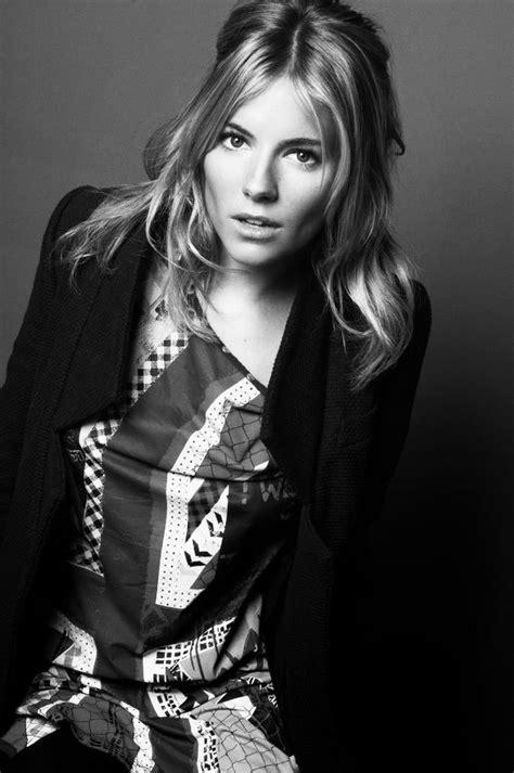 Natalie Imbruglia david burton portraiture 565 x 850 · jpeg
