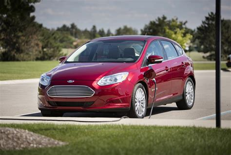 image  ford focus electric size    type