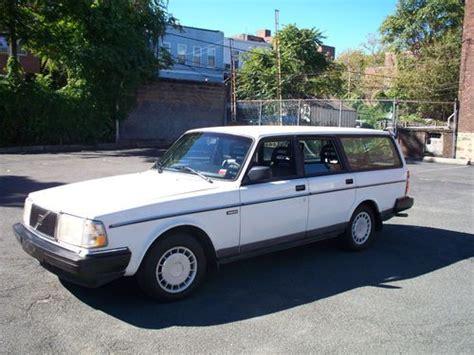 sell    volvo station wagon  year