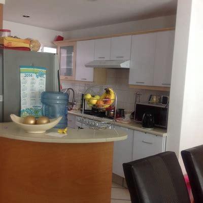 remodelar mi cocina pequena cambiar de lugar la barra