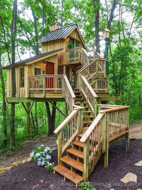 unbeliavably amazing treehouse ideas   inspire  cool tree houses tree house