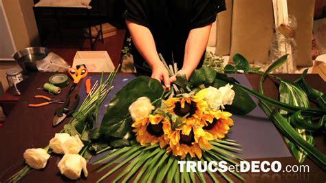 composition de fleurs moderne comment r 233 aliser une gerbe de fleurs ou une composition florale tutoriel par trucsetdeco