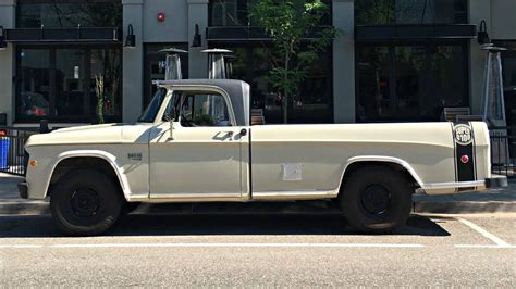 sweptline survivor  dodge  pickup