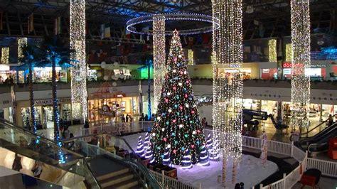 world famous musical christmas tree  micronesia mall