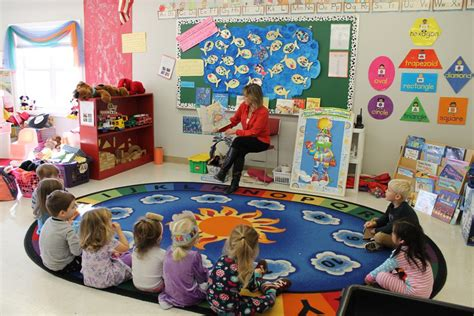 preschool program for 2 3 and 4 year olds seneca academy 201 | Circle Time 002 1024x683