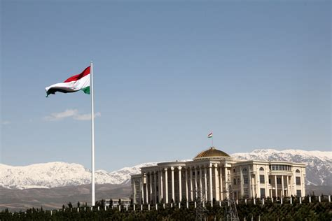 File:Palace of Nations and the Flagpole, Dushanbe ...