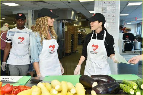 Heidi Klum Volunteers The Kitchen God Love