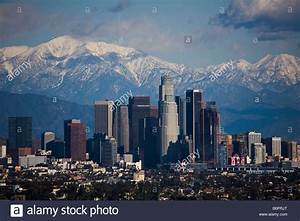 Photo Los Angeles : los angeles skyline on a clear day with snow on mountains los angeles stock photo 21399808 alamy ~ Medecine-chirurgie-esthetiques.com Avis de Voitures