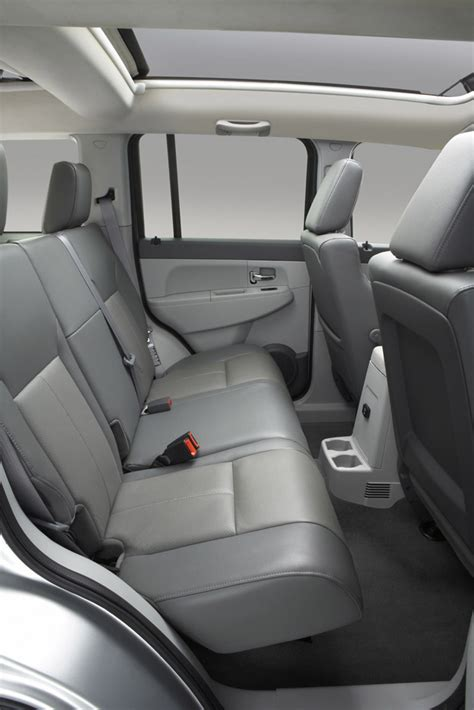 jeep liberty review specs pictures price mpg