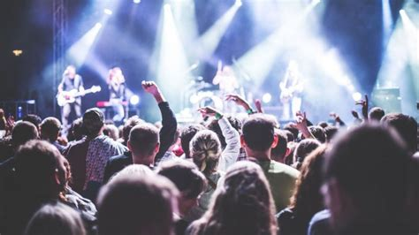 Warto chodzić na koncerty! Badania naukowe potwierdzają ...