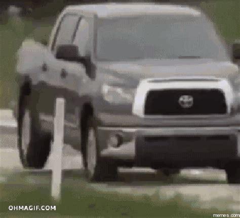Toyota Tundra Memes - toyota tundra offroading memes com
