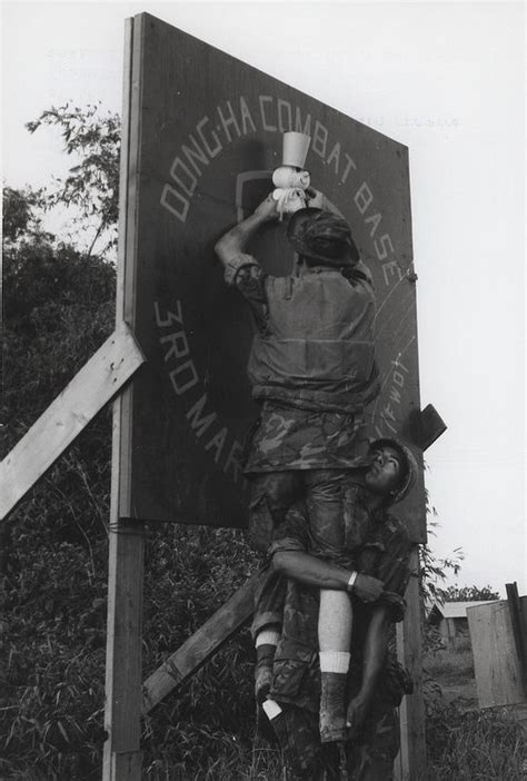 marines decorate  christmas dong ha vietnam