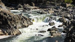Kayaker On Class 5 Rapids   Photos  Diagrams  U0026 Topos