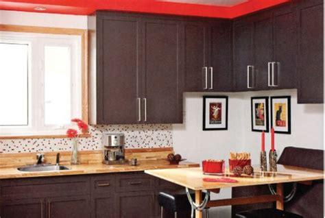 cuisine armoire brune savoir puncher la cuisine lise fournier aménagement