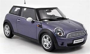 Mini Cooper Blanche : mini cooper d miniature bleu blanche kyosho 1 18 voiture ~ Maxctalentgroup.com Avis de Voitures