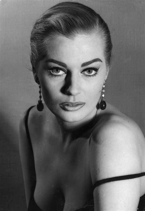 vintage beauty Ήταν η anita ekberg η kate upton της δεκαετίας του 60 Με το μοναδικό της