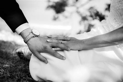 There are 364408 wedding hands for sale on etsy, and they cost 15,45 $ on average. A personal and intimate wedding | Wedding Photographer