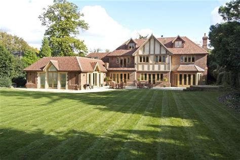 Asking Price £3,000,000, 7 Bedroom Detached House For Sale