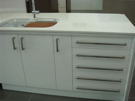 European Kitchen Cabinet Handles by Kitchen Cabinet Handles Contemporary And Modern Kitchen