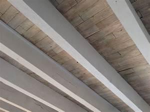 poutres peintes en gris clair fashion designs With peindre des poutres en bois 6 plafond entre solives maison poyaudine