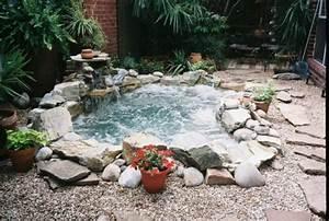 65 awesome garden hot tub designs digsdigs With whirlpool garten mit bonsai schalen set