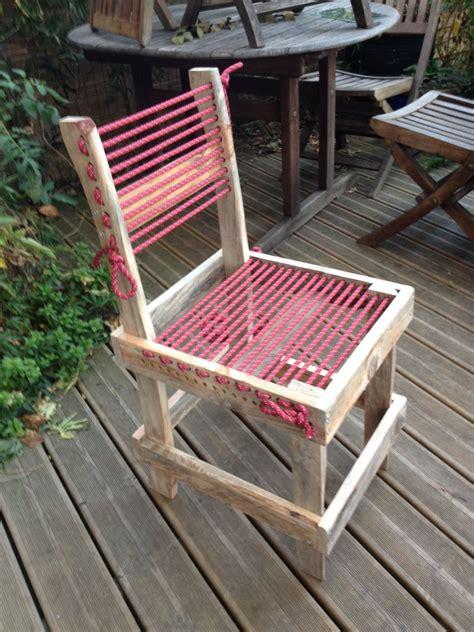 chaise en bois de palette  corde descalade diy