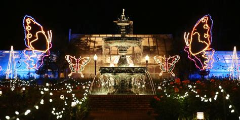 The most dazzling Christmas light display in each Southern ...