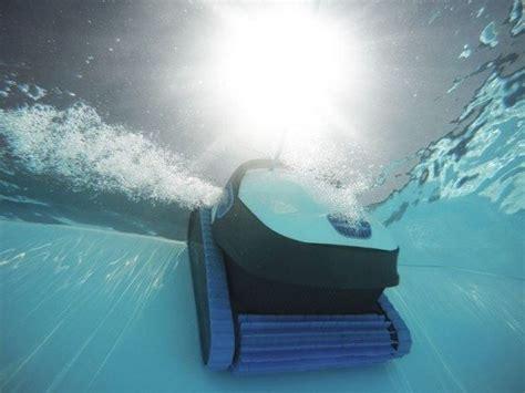 Comment Nettoyer Le Fond De Sa Piscine Comment Nettoyer Le Fond De Votre Piscine Swimming