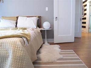 Bedroom carpet ideas pictures options ideas hgtv for Bedroom carpet colours