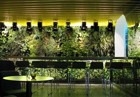 10 cool indoor vertical garden design exles digsdigs