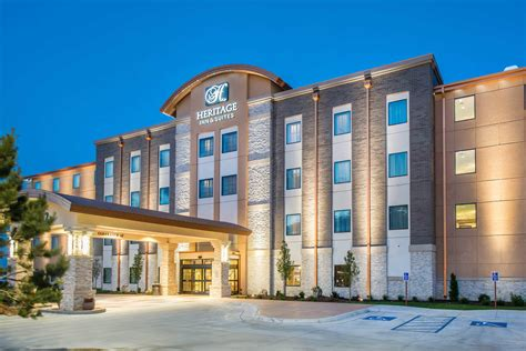 hotels in garden city ks the heritage inn suites an ascend hotel collection