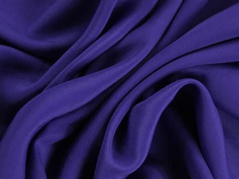 Florentine. Włoskie tkaniny - sklep z materiałami > Krepa jedwabna - Niebieski z fioletem