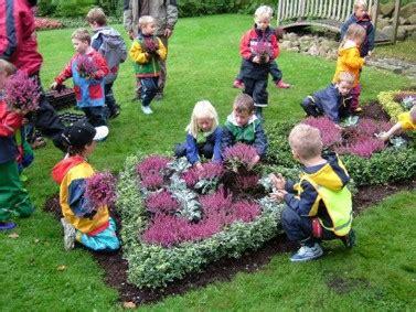 Der Garten Trauert by Der Garten Der Kinder Friedhof Ahrensburg
