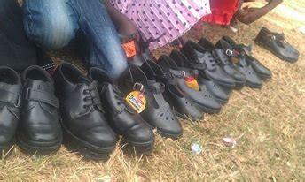 kids   school shoes  uganda globalgiving