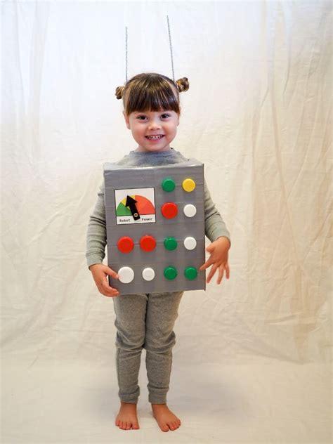 selbstgemachtes roboter kinderkostuem fasching halloween