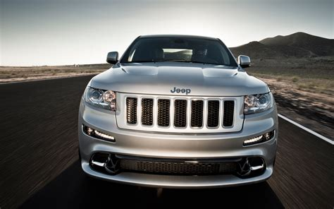 2012 Jeep Grand Cherokee Srt8 Front Grille Photo 5