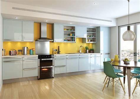 open kitchen  yellow backsplash  freestanding oven