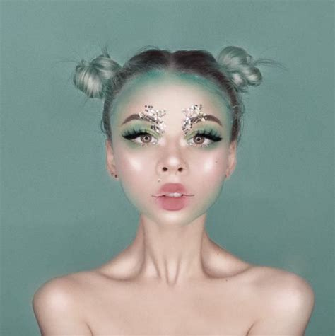 inspired  witches  stunning makeup  youll