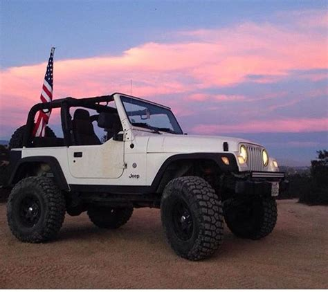 Jeep With Two Doors by White 2 Door Jeep Modified Jeep Wranglers Jeep Two