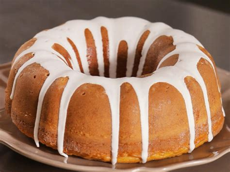 baking a cake how to bake a cake food network