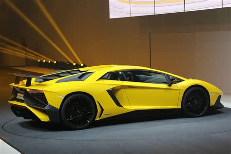 740-hp Lamborghini Aventador Superveloce Revealed In Geneva