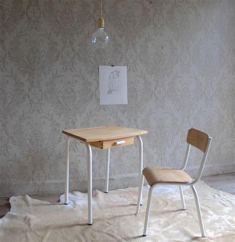 chaise d écolier 1000 idées sur le thème bureau ecolier sur