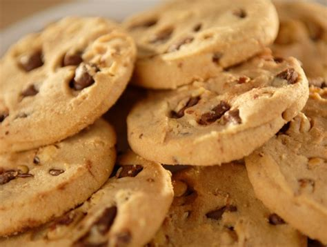 Spoon evenly over top of cake allowing mixture to soak into holes. Recipe: Quick Peanut Butter Chocolate Chip Cookies   Duncan Hines Canada®